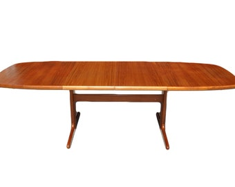 Beautiful Oval Teak Danish Dining Table With Two Extension Leaves, Mid  Century Modern