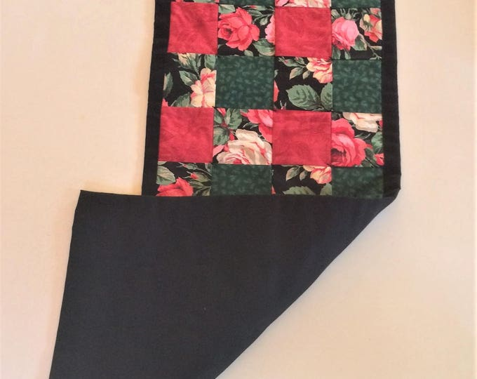 Table Runner, Table Decor, Table Centerpiece, Country Home Decor, Farmhouse Decor, Housewarming Gift, Roses, Quilted, Runner,