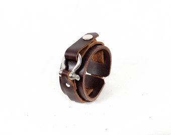 Leather cuff, leather wristband, vintage leather.