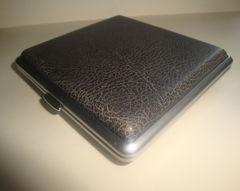 Cigarette Case / Business Card Case by Status Collection