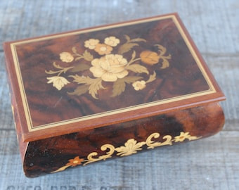 """Vintage Reuge Inlaid Wood Music Box Swiss Musical Movement """"Torna a Surriento"""""""