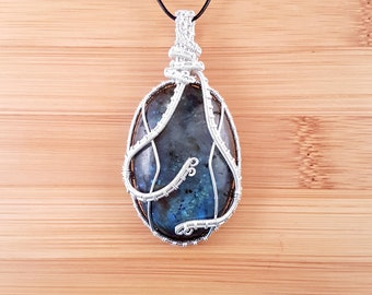 Window To The Stars: Silver wire wrapped labradorite oval pendant necklace