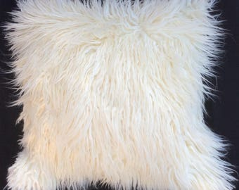 White faux fur pillow cover, Off White Mongolian fur Pillow, White pillow cover, White sham,White pillow cushions, Off White throw Pillow