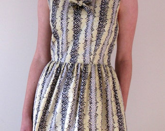 1960s-style day dress