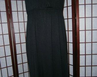 Sleeveless V-Neck Dress - Crocheted Look on Back