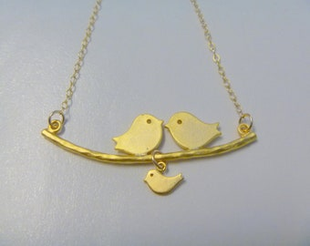 Birds Necklace - Parent and Baby bird on a Branch - Mom Necklace - Mommy Jewelry - Mothers Day