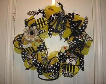"24"" Spring or Summer Deco Mesh Wreath- Buzzing Bee's-Spring Decor-Summer Decor"
