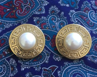 Vintage Givenchy Earrings Gold Tone and Pearl Round Clip On 70's / 80's