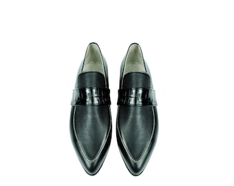 ARTEMISIA. 3 Texture Black Leather Pointy Toe Loafers Flats. (All women sizes)