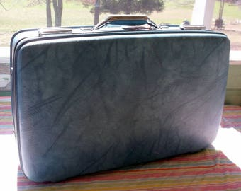 Suitcase Vintage Marbled Blue American Toursiter Suitcase or Luggage Medium Sized 22 x 14 x 7""
