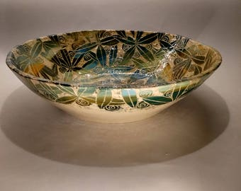 Large decorated leaf design bowl