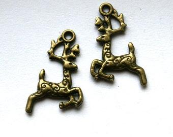 10 Antique Bronze Small Reindeer Charms/Pendants
