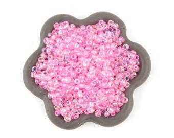 20grs pink 2mm seed beads (25)