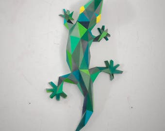 Make your own papercraft gecko | DIY wall mount | 3D papercraft animal | Printable PDF pattern | Low poly lizard model