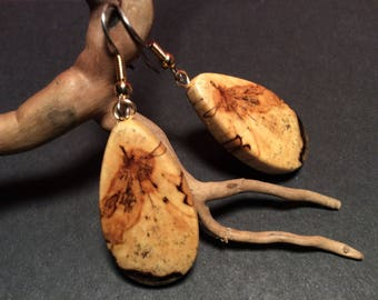 Beautiful wood of the boreal forest earrings