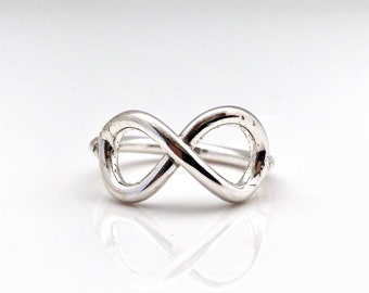 Silver Infinity Ring // 925 Sterling Silver l