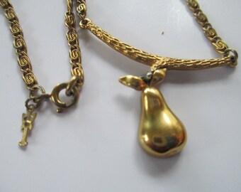 "Vintage Trifari gold tone pear pendant metal necklace 15"""