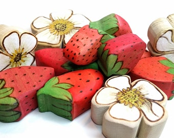 Spring Strawberry Patch Wooden Play Food // Waldorf Inspired Wooden Produce for the Natural Play Kitchen // Wooden Play Berries and Flowers
