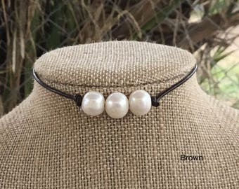 Leather Pearl Choker, Brown 3 Pearl Leather Necklace, Boho necklace, June Birthstone, Valentine's Day Gift, Bridesmaid gift, birthdays