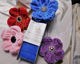 Puffy Velvet Flowers Assorted Colors And Buttons