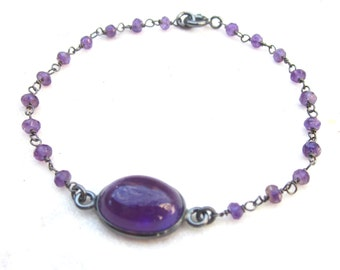 Amethyst bracelet, dainty purple stone bracelet, layering gemstone bracelet, modern wire wrapped bracelet, February birthstone jewelry