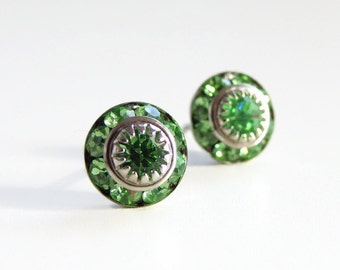 peridot green crystal earrings - greenery earrings - green earrings - swarovski crystal - crystal earrings