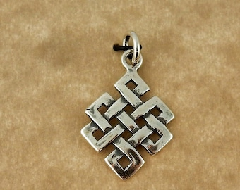 Sterling silver Irish Celtic Knot pendant