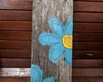 Hand painted barn wood daisies