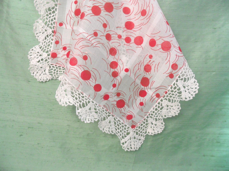 Roter Punkt mit gehäkelten Rand Taschentuch / weiß und rot