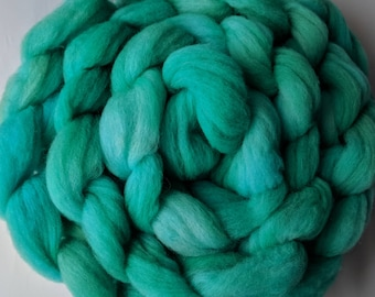 """Babydoll Southdown Wool / Alpaca for Spinning & Needle Felting 4 Oz Combed Top Dark Teal Fiber """" Dream I  """" (2 available)"""