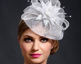 White stunning fascinator hat for your special occasions