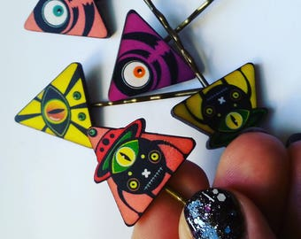 Alien, triangles, mix colour, cyber goth, space, whimsi, wood, hair slides, set of five, laser cut, by Newellsjewels on etsy