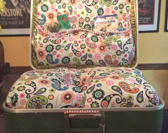 Paisley Vintage Suitcase Pet Bed Dog Cat