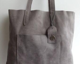 Nubuck Leather shoulder bag.
