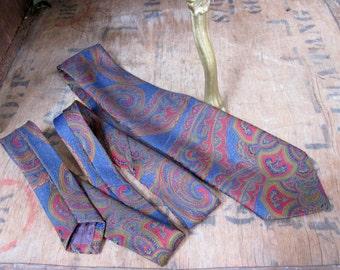 Pierre Cardin Tie - Vintage Tie -  Designer Tie - Pierre Cardin Necktie - Designer Necktie - Vintage Necktie - Paisley Necktie - English Tie