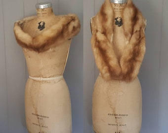 SIBERIAN SABLE Fur Stole / 1950s small shawl / hazelnut brown collar