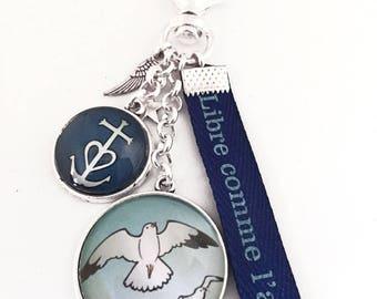 Cadeau vacance porte-clés bijou de sac, plage, mer, oiseau, ancre, marin,libre comme l'air, ton bleu.Ref.Sup4