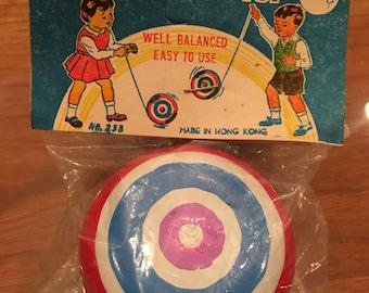 1 Vintage Metal Yo Yo toy , made in Hong Kong