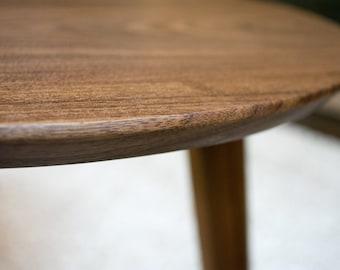 Mid-Century Modern Coffee Table - Kidney Bean in Walnut Hardwood (Kidney Bean/Boomerang) - Medium Size