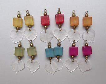 Set of 12 charms beads mixed.