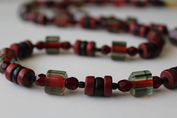 Red Bead Necklace, Long Red and Black Necklace, Over the Head No Clasp Necklace, Long Red Necklace, Chunky Red Jewelry, Red Boho Jewelry