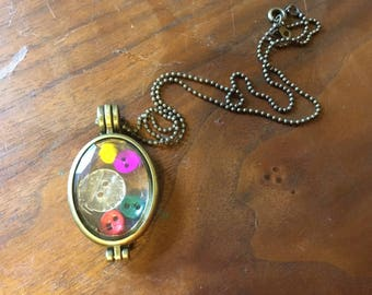 Oval locket