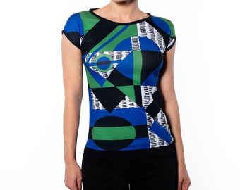Women's Multi Color Geometric Print Slim Fit Tee