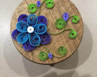 Small Round Paper Quilled Box