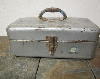 Vintage Metal UNION WATERTITE Tackle Chest * Tool box, Tackle box ** gray with worn patina. Mid century