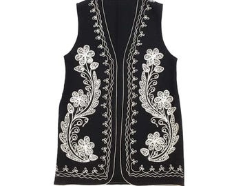 Vtg Folk Wool Felt Embroidered Vest w/ Silver Flowers Small / Medium Chain Stitch Hippie