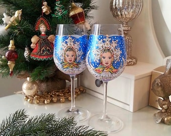 Hand Painted Wineglasses,Christmas glasses,Christmas table decorations,Christmas present,Wine glasses,Party glasses