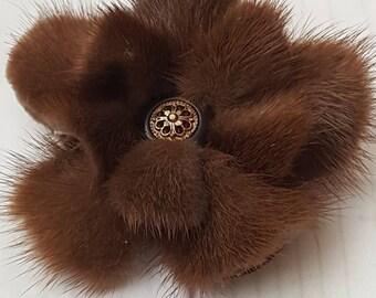 Mink fur brooch