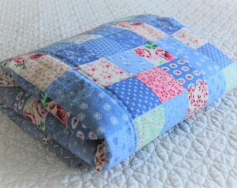 Baby blanket, quilt, baby quilt, cot quilt, Nursery bedding, baby bedding, pink and blue blanket, patchwork quilt, baby shower gift