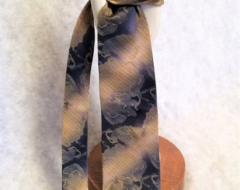 1970s Vintage Blue and Gold Lame' Necktie by Wembley